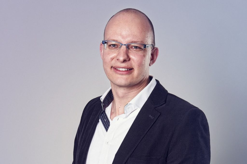 Stefan Menz headshot