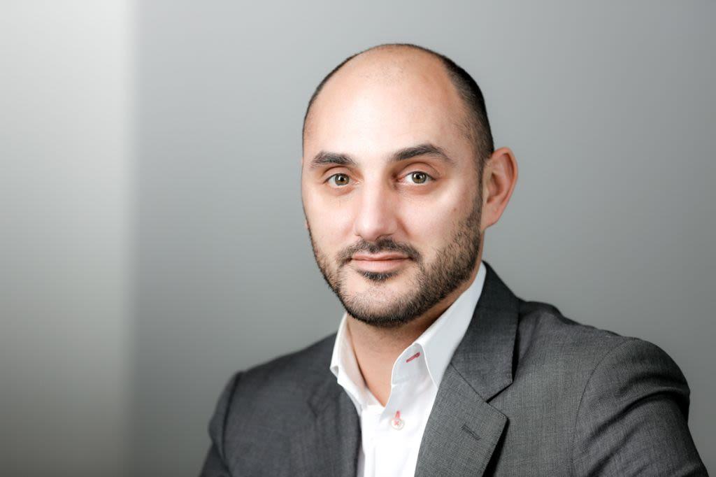 Nicolas Nauche, Awin