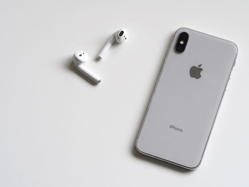 airpods e un iphone XR