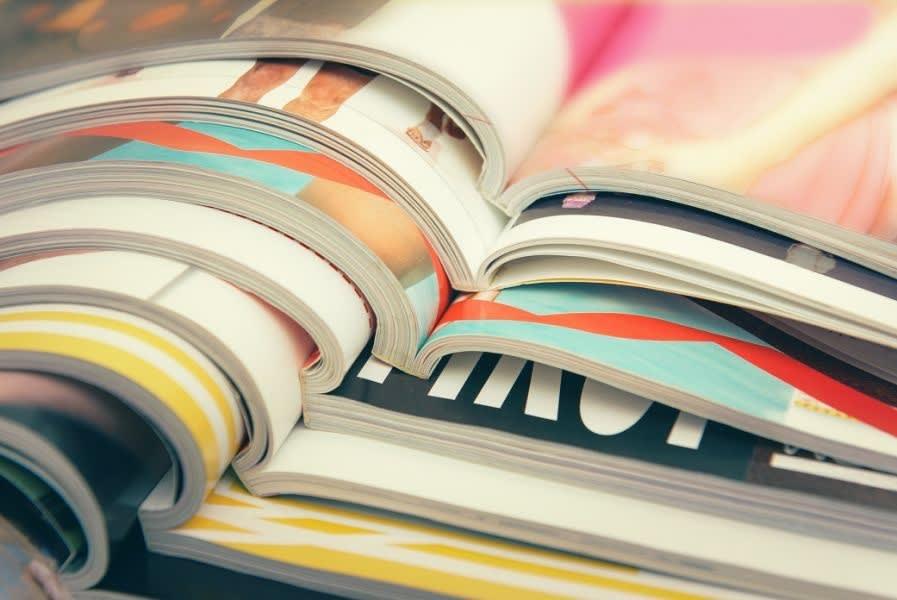 Zeitschriften übereinander gestapelt