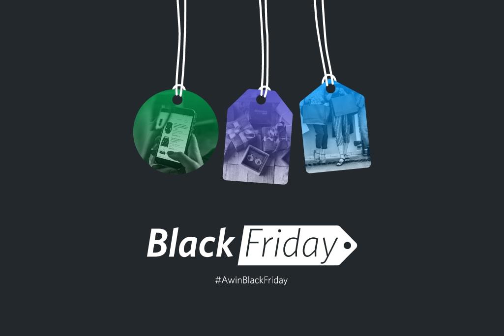 tre cartellini su sfondo nero con didascalia Black Friday