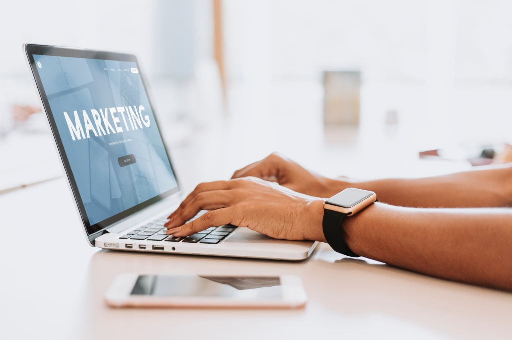 why advertisers should use affiliate marketing