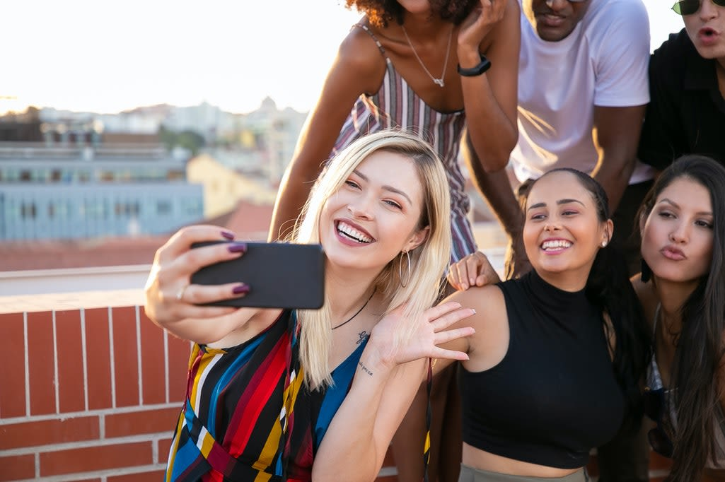 Tudo o que precisa saber para se tornar um digital influencer em 2021